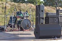 Στάδιο απόδοσης με τα μουσικά όργανα Στοκ Εικόνα