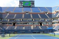 Στάδιο του Άρθουρ Ashe στο εθνικό κέντρο αντισφαίρισης βασιλιάδων της Billie Jean έτοιμο για τα αμερικανικά ανοικτά πρωταθλήματα Στοκ φωτογραφία με δικαίωμα ελεύθερης χρήσης