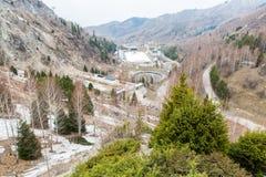 Στάδιο Medeo, υψηλότερη αίθουσα παγοδρομίας πατινάζ στον κόσμο στο Αλμάτι, Καζακστάν, Ασία στοκ φωτογραφία