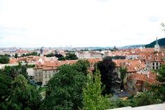 Στέγες της πόλης Πράγα Στοκ φωτογραφία με δικαίωμα ελεύθερης χρήσης