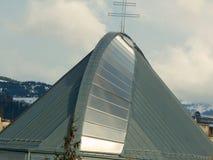 Στέγη εκκλησιών με έναν σταυρό στην κορυφή Στοκ φωτογραφίες με δικαίωμα ελεύθερης χρήσης