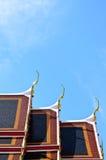 Στέγη ναών ενάντια στο μπλε ουρανό Στοκ φωτογραφία με δικαίωμα ελεύθερης χρήσης