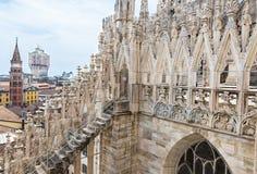 Στέγη του καθεδρικού ναού Duomo στο Μιλάνο στοκ φωτογραφίες με δικαίωμα ελεύθερης χρήσης