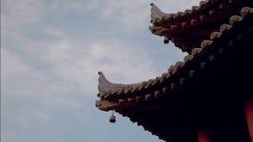 Στέγη Timelapse του κινεζικού αρχαίου κτηρίου πέρα από τον ουρανό απόθεμα βίντεο