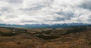Στέπα Kurai και κορυφογραμμή Βορράς-Chui στοκ εικόνα
