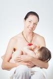 Στήθος μητέρων - που ταΐζει Στοκ εικόνες με δικαίωμα ελεύθερης χρήσης