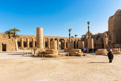 Στήλες και τοίχοι οβελίσκων στο ναό Karnak σε Luxor, Αίγυπτος Στοκ Εικόνα
