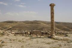 Στήλη στις καταστροφές Herod Castle, Machaerus, Ιορδανία Θέση του exec στοκ εικόνες