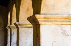 Στήλες πλίθας σε μια σειρά Στοκ Εικόνες