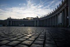 Στήλες plaza πόλεων του Βατικανού Στοκ φωτογραφία με δικαίωμα ελεύθερης χρήσης