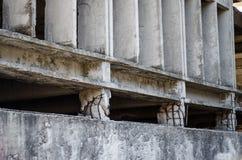 Στήλη αποτυχίας ζημίας σεισμού Στοκ Φωτογραφίες