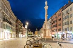 Στήλη και πλατεία της πόλης της Anna στο Ίνσμπρουκ τή νύχτα Στοκ φωτογραφίες με δικαίωμα ελεύθερης χρήσης