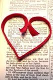 Στίχος Βίβλων ημέρας βαλεντίνου με την κόκκινη καρδιά Στοκ εικόνα με δικαίωμα ελεύθερης χρήσης