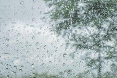 Σταγόνα βροχής στο γυαλί Στοκ φωτογραφίες με δικαίωμα ελεύθερης χρήσης