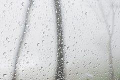 Σταγόνα βροχής στο γυαλί Στοκ φωτογραφία με δικαίωμα ελεύθερης χρήσης