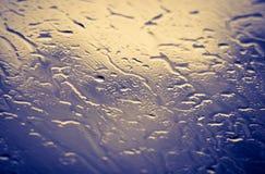 Σταγόνες βροχής σε ένα παράθυρο στοκ φωτογραφία