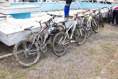 Σταθμευμένος από τα οδικά ποδήλατα μετά από μια φυλή στοκ εικόνες με δικαίωμα ελεύθερης χρήσης