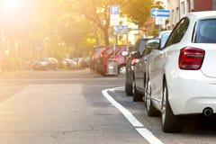 Σταθμευμένο αυτοκίνητο στην πόλη Έννοια κυκλοφορίας Στοκ Εικόνες