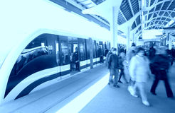 σταθμός ανθρώπων μονοτρόχιων σιδηροδρόμων Στοκ Εικόνα