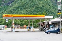 Σταθμός καυσίμων της Shell Στοκ εικόνα με δικαίωμα ελεύθερης χρήσης
