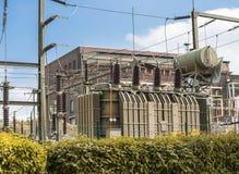 Σταθμός μετασχηματιστών για την ηλεκτρική ενέργεια Στοκ φωτογραφία με δικαίωμα ελεύθερης χρήσης