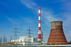 σταθμός παραγωγής ηλεκτρικού ρεύματος γραμμών θερμικός Στοκ Φωτογραφία