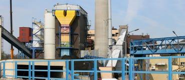σταθμός παραγωγής ηλεκτρικού ρεύματος θερμικός Στοκ φωτογραφία με δικαίωμα ελεύθερης χρήσης