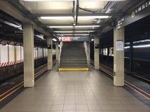 55 σταθμός τρένου οδών & 7 λεωφόρων τη νύχτα στοκ φωτογραφία με δικαίωμα ελεύθερης χρήσης