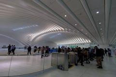 Σταθμός τρένου ΠΟΡΕΙΩΝ στην πλήμνη μεταφορών του World Trade Center στο Λόουερ Μανχάταν Στοκ εικόνα με δικαίωμα ελεύθερης χρήσης