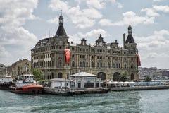 Σταθμός τρένου που είναι ορόσημο συμβόλων της Ιστανμπούλ στην Τουρκία Στοκ Εικόνες