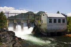 σταθμός υδροηλεκτρική&sigmaf Στοκ εικόνα με δικαίωμα ελεύθερης χρήσης