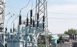 Σταθμός υψηλής δύναμης για την παραγωγή της ηλεκτρικής ενέργειας Στοκ Εικόνες
