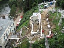 Σταθμός υδροηλεκτρικής ενέργειας στο φράγμα στην άγρια φύση στη Δημοκρατία της Τσεχίας, Μοραβία, Ευρώπη στοκ εικόνα με δικαίωμα ελεύθερης χρήσης