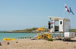 Σταθμός Lifeguard στην παραλία σε Littlehampton, Αγγλία Στοκ φωτογραφίες με δικαίωμα ελεύθερης χρήσης