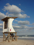 Σταθμός Lifeguard στην παραλία Wrightsville στη βόρεια Καρολίνα Στοκ εικόνα με δικαίωμα ελεύθερης χρήσης