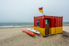 Σταθμός Lifeguard στον κόλπο Brittas Στοκ Φωτογραφία
