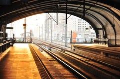Σταθμός Phyathai της σιδηροδρομικής σύνδεσης αερολιμένων Suvarnabhumi στη Μπανγκόκ, Στοκ Εικόνες