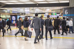 Σταθμός Shinjuku μέσα Στοκ Φωτογραφίες
