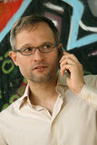 Σταξτύ άτομο στο τηλέφωνο Στοκ Εικόνες