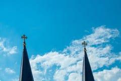 Σταυροί στα σύννεφα στοκ εικόνες με δικαίωμα ελεύθερης χρήσης