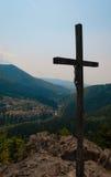 σταυρός πέρα από την κοιλάδ&al Στοκ φωτογραφίες με δικαίωμα ελεύθερης χρήσης