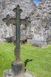 Σταυρός σιδήρου Kyrkoruin Rya Στοκ Φωτογραφία