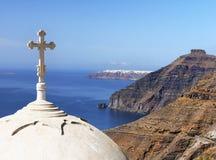 Σταυρός στην εκκλησία, ελληνικά νησιά Στοκ Φωτογραφία