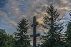 Σταυρός στο λόφο Velky Javornik στη Σλοβακία Στοκ φωτογραφία με δικαίωμα ελεύθερης χρήσης
