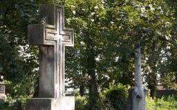 Σταυρός στο cementery Στοκ Εικόνες