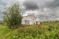 Σταύλος σε ένα εγκαταλειμμένο αγρόκτημα στοκ φωτογραφία με δικαίωμα ελεύθερης χρήσης