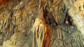 σταλακτίτης, εσωτερική σπηλιά Mencilis, safranbolu Τουρκία απόθεμα βίντεο