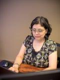 Σταδιοδρομία-απασχολημένος θηλυκός επαγγελματικός πολυάσχολος Στοκ φωτογραφία με δικαίωμα ελεύθερης χρήσης