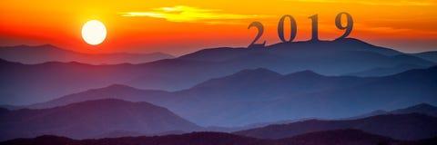 2019 στα μεγάλα καπνώδη βουνά στοκ εικόνα με δικαίωμα ελεύθερης χρήσης