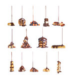 Στα μπισκότα, σοκολάτα, καρύδια που χύνουν το ρεύμα του collectio σοκολάτας στοκ φωτογραφία με δικαίωμα ελεύθερης χρήσης